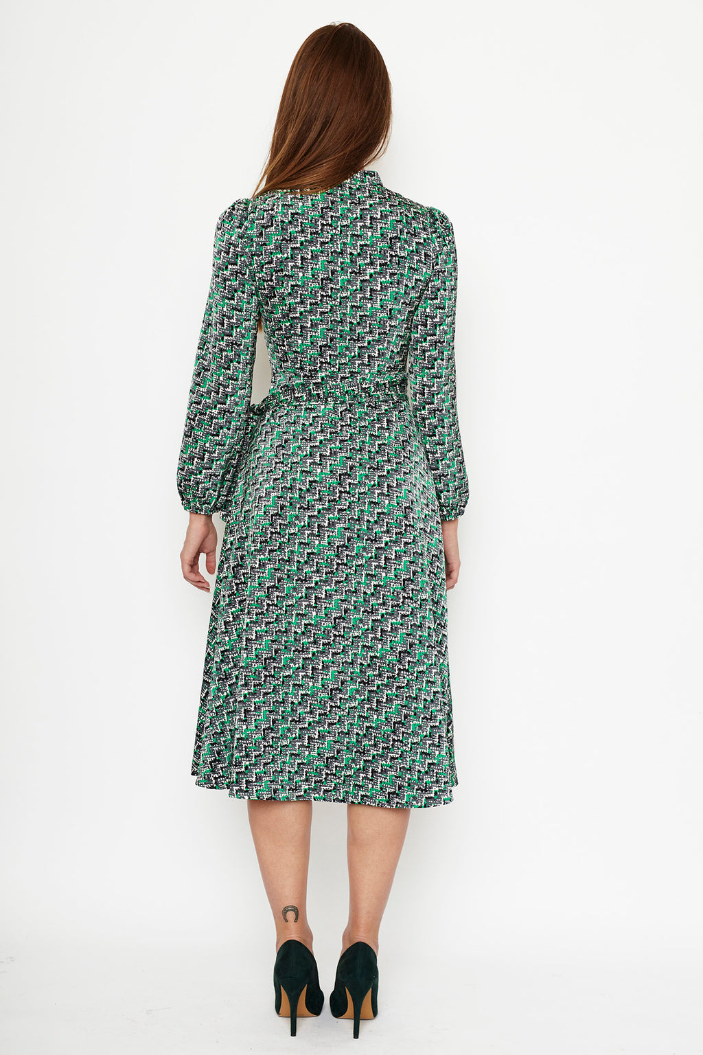 1 VESTIDO WRAP DRESS EN PUNTO  ESTAMPADO ZIG ZAG,VERDE