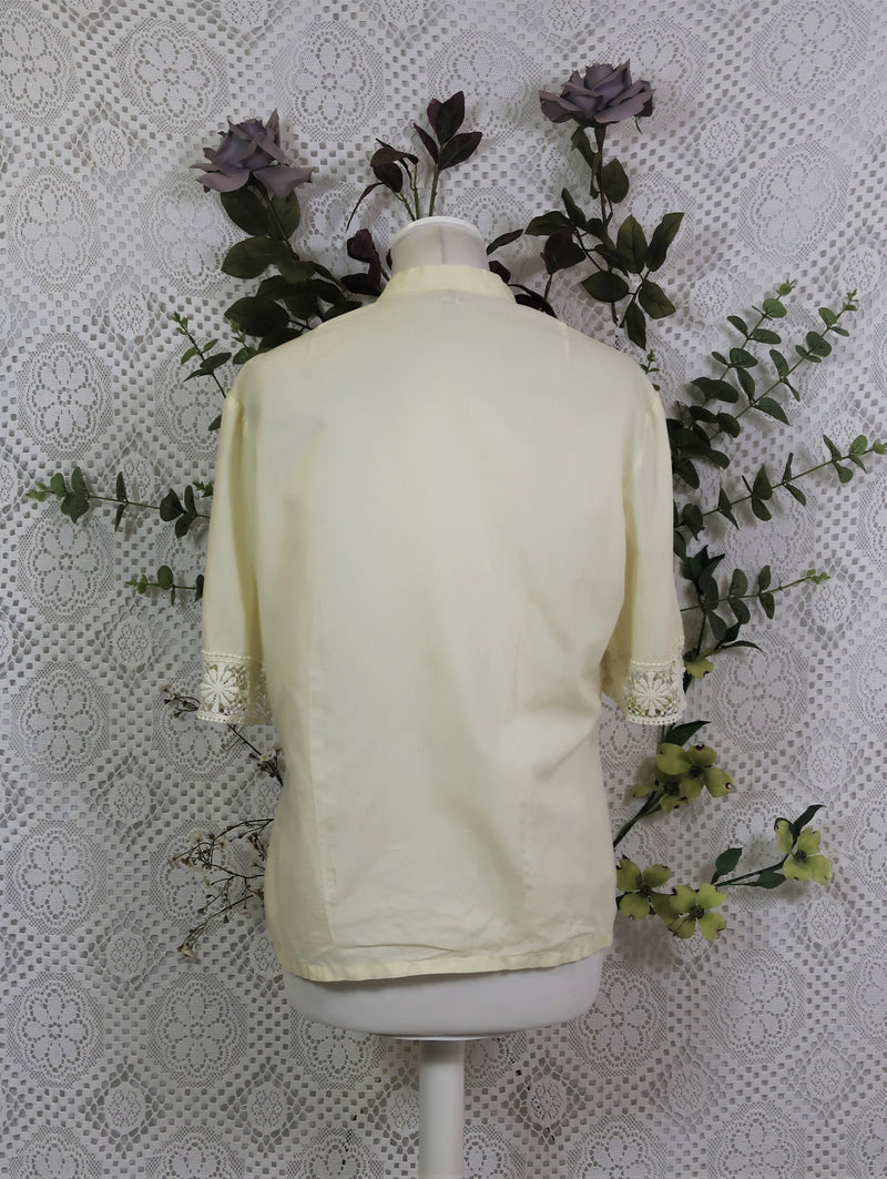 Vintage Blouse - Ivory with Floral Lace - Size L
