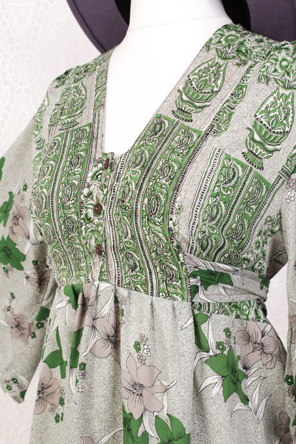 Lunar Mini Dress - Vintage Indian Sari - Speckled Grey & Emerald Lily Print - Free Size M/L
