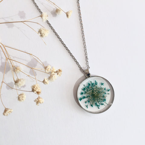 Round Dried Flower Necklace -  Ditsy Turquoise & White