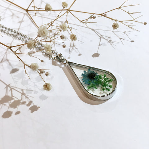 Glass Teardrop Green/Blue Dried Flower Necklace (Large)