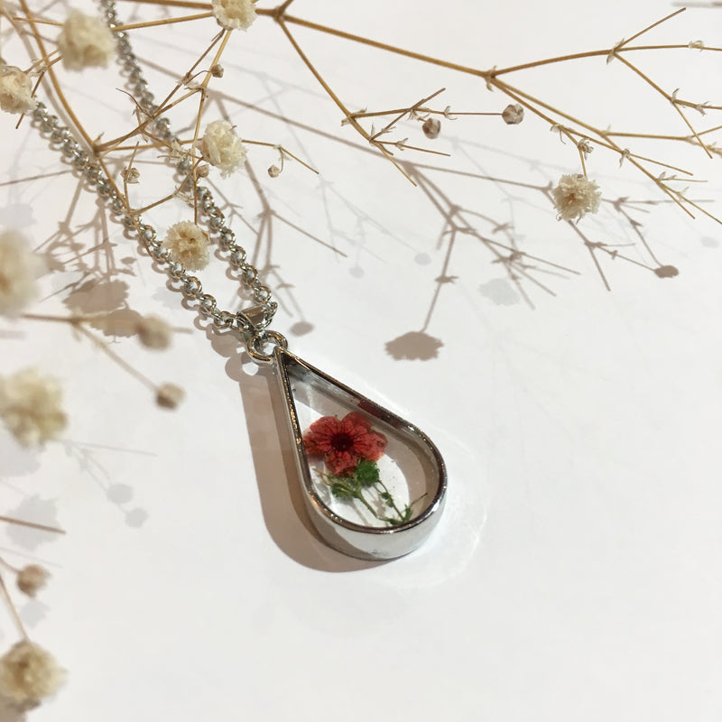 Glass Teardrop Dried Flower Necklace (Small)