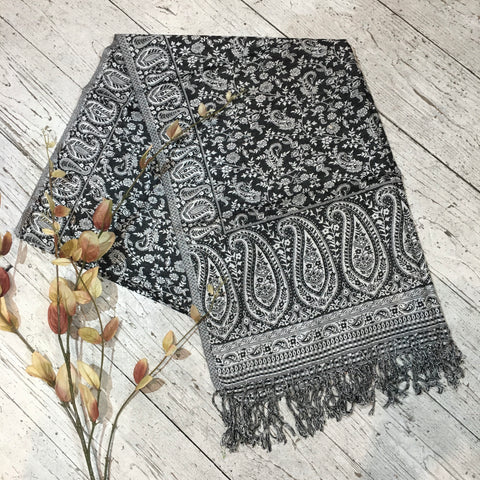 Indian Pashmina Shawl - Raven and White Paisley
