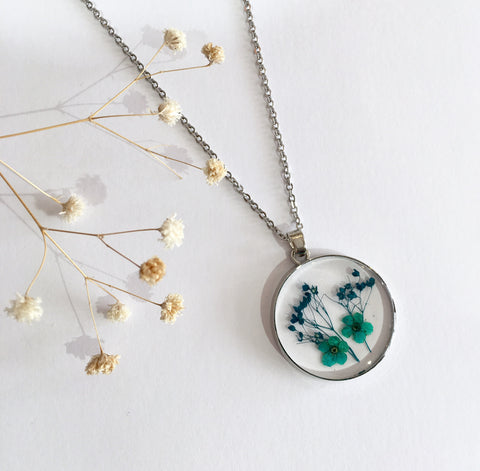 Round Dried Flower Necklace - Small Turquoise and Teal