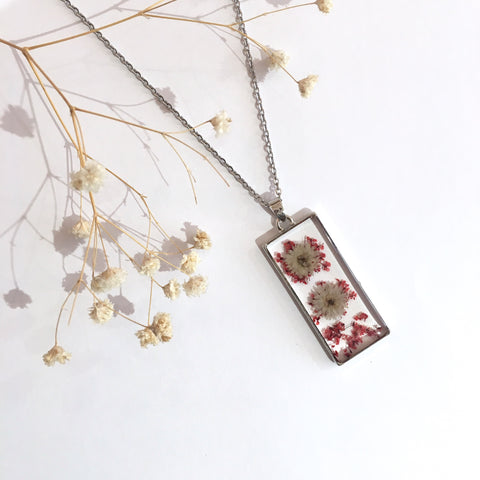 Rectangle Dried Flower Necklace - Delicate Pink & White