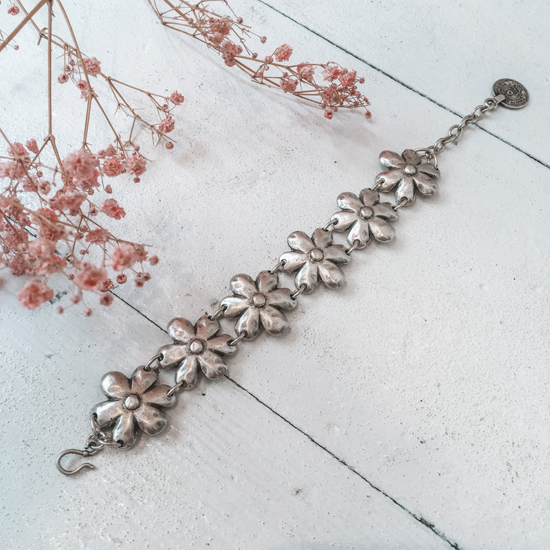 Silver Plated Turkish Daisy Bracelet