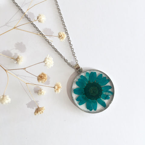 Round Dried Flower Necklace - Big Teal