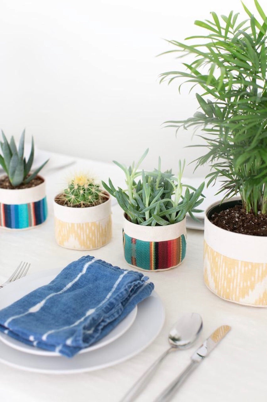 Small Natural Canvas Sitting Planter | Red + Blue