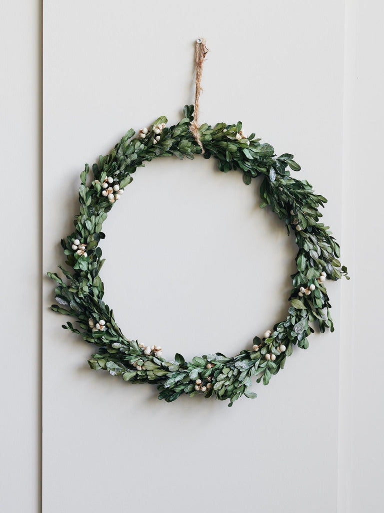 Nature Mistletoe Christmas Wreath