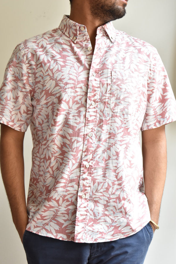 Faherty Short Sleeve Playa Shirt Faded Red Botanical