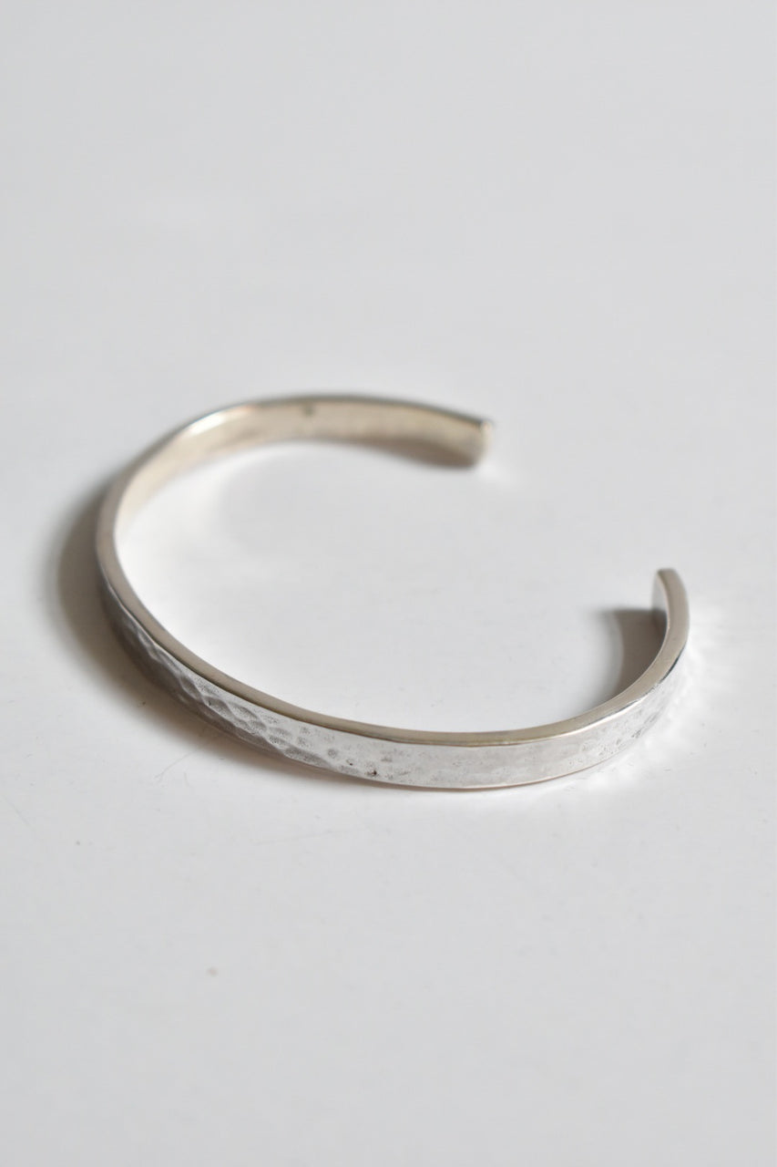 Caputo & Co Hammered Flat Silver Cuff