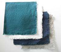 Linen napkin with fringed edges