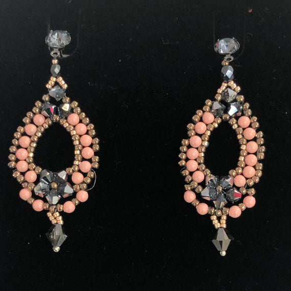 BBE SWAROVSKI DANGLING EARRINGS POST STUD PEARL PINK CORAL / PEARL PATEL GOLD