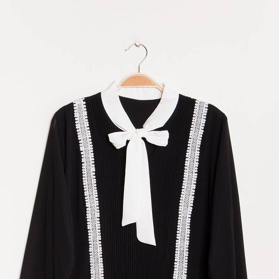 KEEP' N WEAR - PARIS  BLOUSE W PLEATED EFFECT & LACE DETAILS, LONG SLEEVE TIE NECK, BLACK