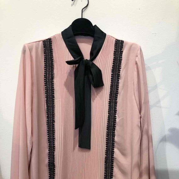 KEEP' N WEAR - PARIS  BLOUSE W PLEATED EFFECT & LACE DETAILS, LONG SLEEVE TIE NECK, PINK
