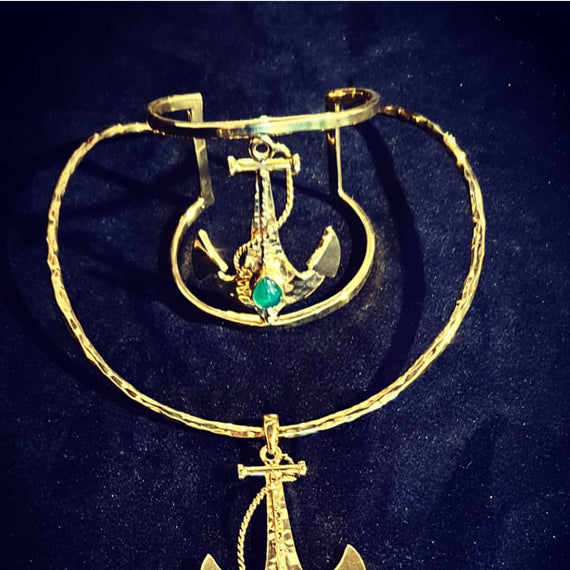 URSULA ANCHOR ENHANCER ON BRASS CHOKER