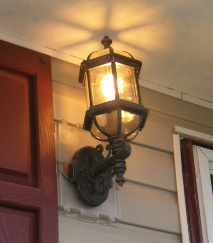 Siding Saver House Light