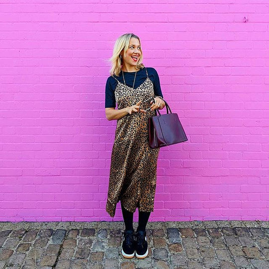 Dress Like A Mum Zoe pink wall Luxtra handbag