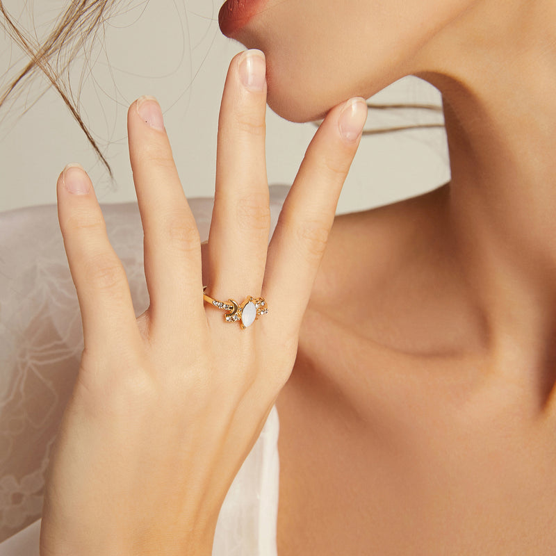 Marquise Moonlight Ring - Yellow Gold