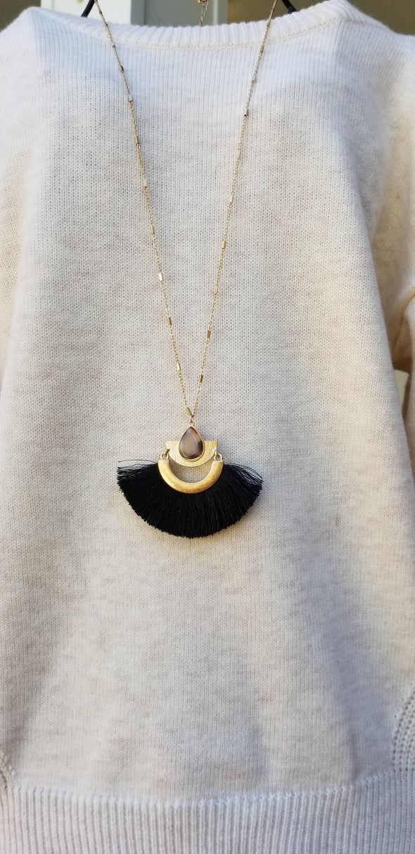 Decade Black Fan Fringe and Camel Resin Gold Necklace