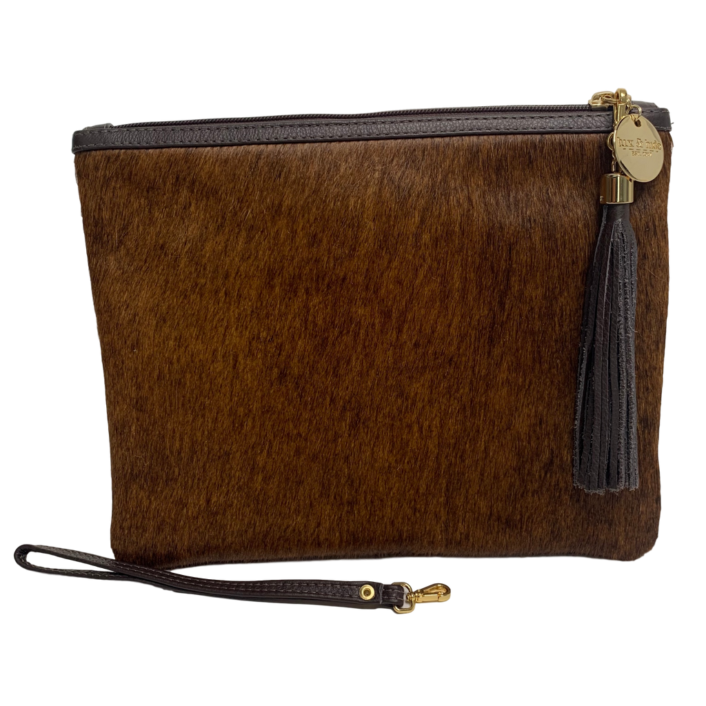COWHIDE STATEMENT CLUTCH - BROWN.`