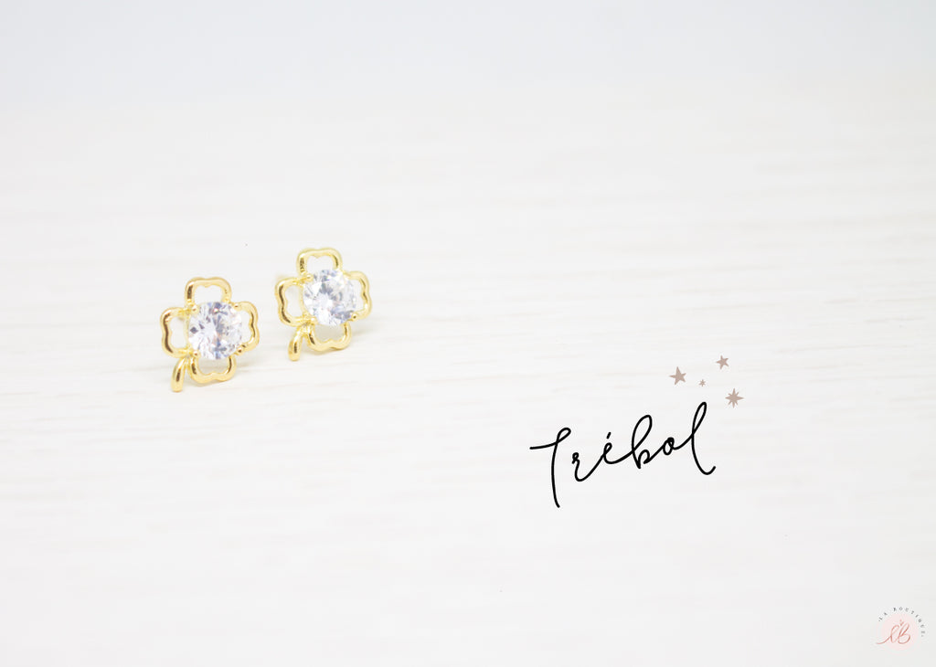 Aretes  Mini Trebol Centro Diamante LaBoutique Joyas