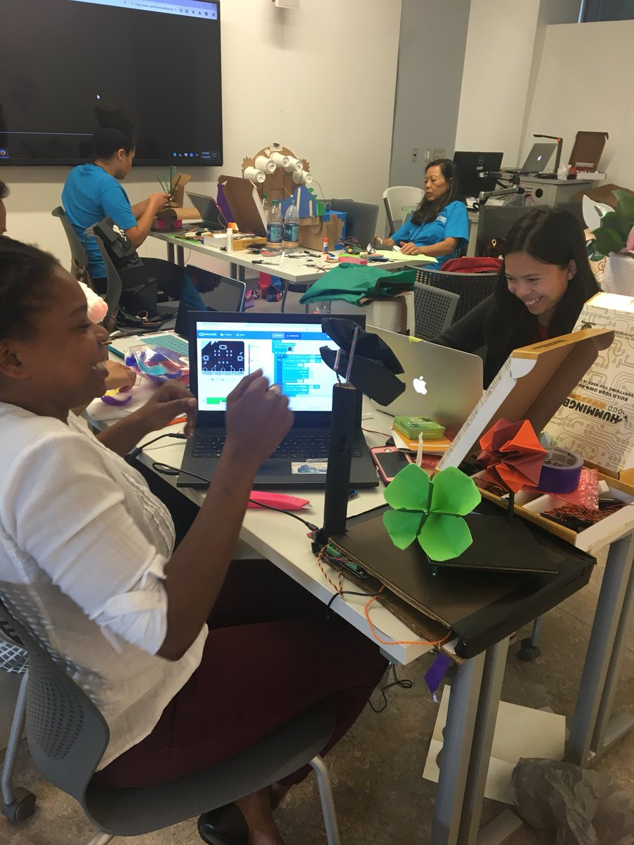 Robotics in your Makerspace: Building and Coding with the Hummingbird Robotics Kit in Redlands, CA (March 11)