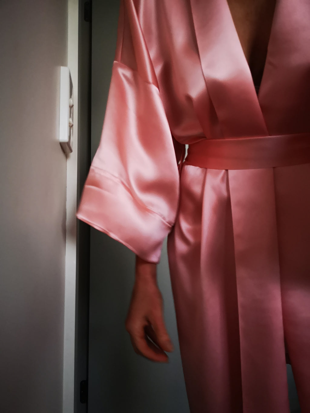 Silk Robe Mid-Thigh - Powder Pink