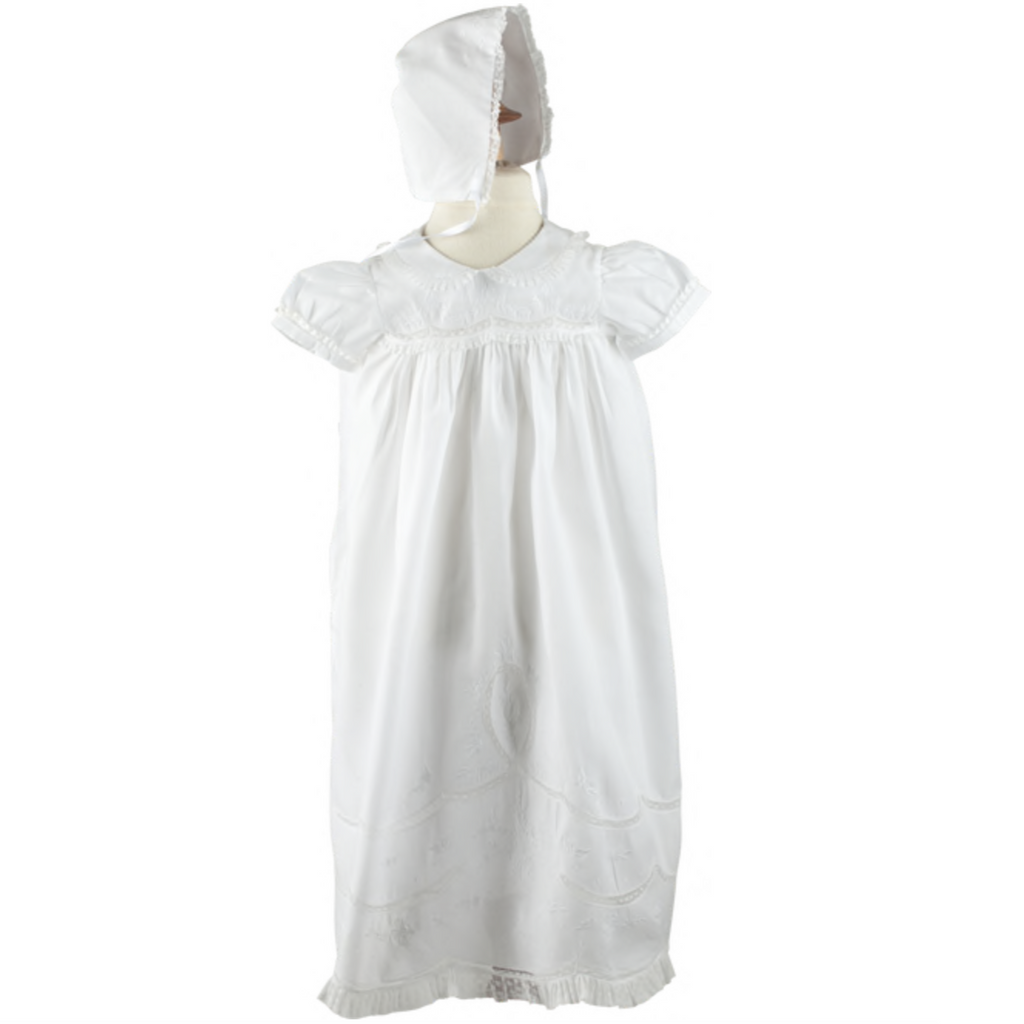 Scalloped Lace Girls Christening Gown/Bonnet