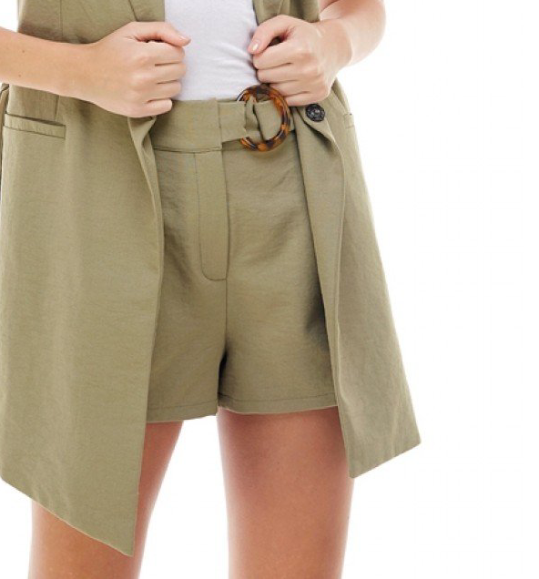 Pleated Front Pocket Short w/Tortoise Buckle