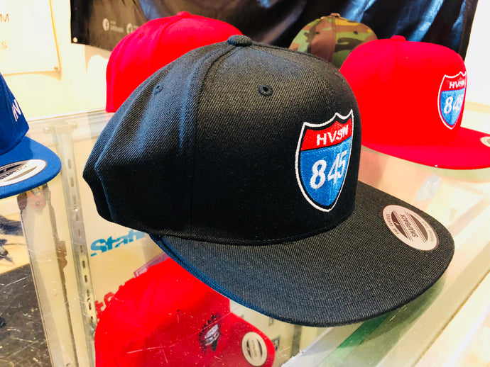 black 845 interstate snap back