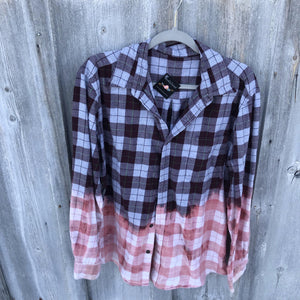 Kesslyn Distressed Flannel Large