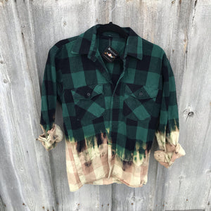 Kesslyn Distressed Flannel Small