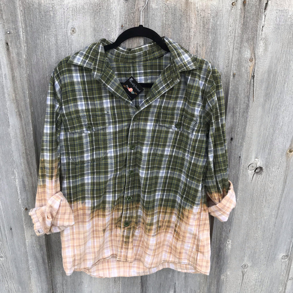 Kesslyn Distressed Flannel Medium