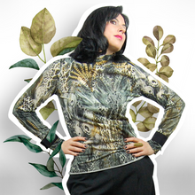 Load image into Gallery viewer, Turtleneck top animal print