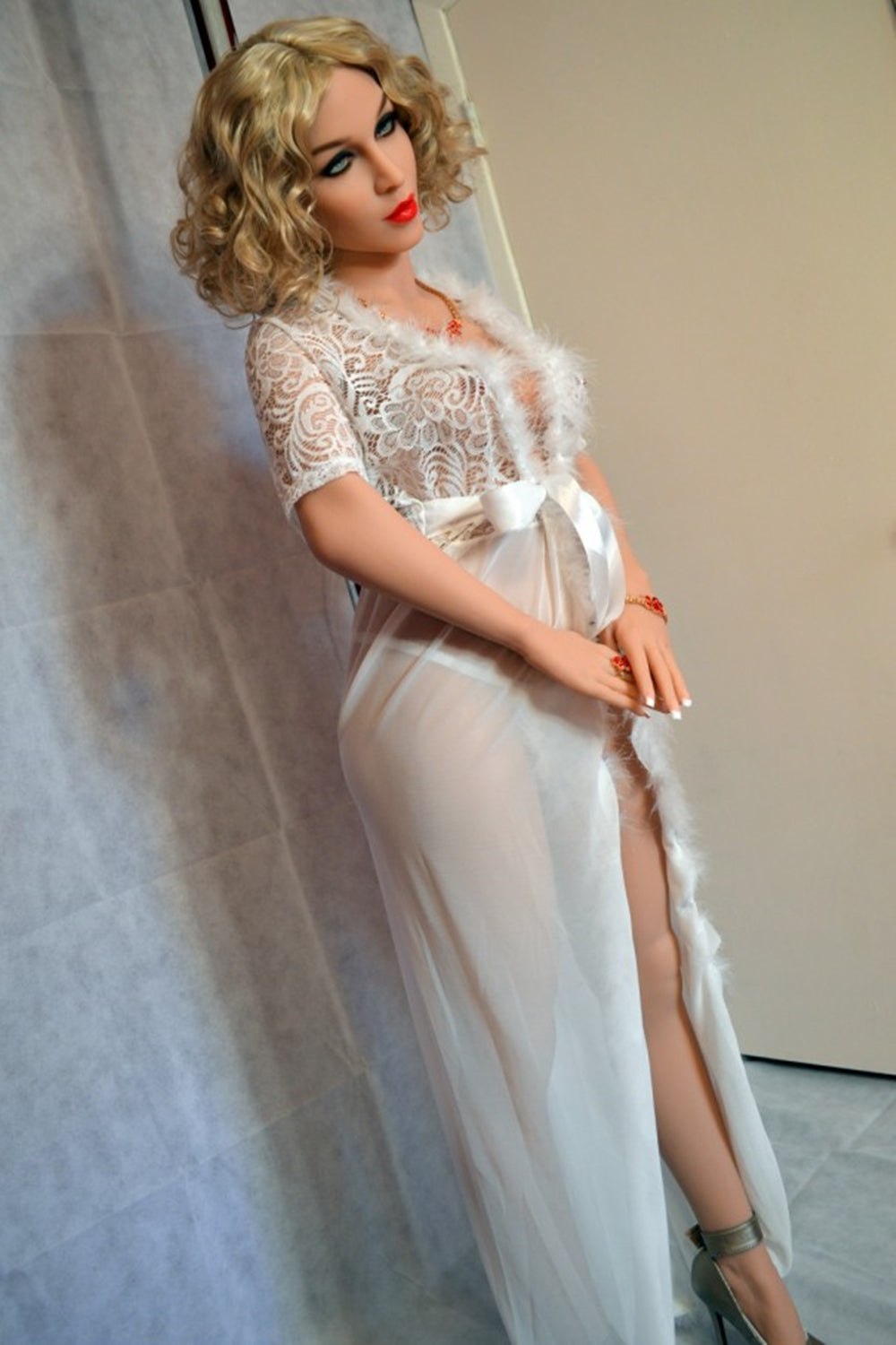 Pam – Pregnant Silicone Doll