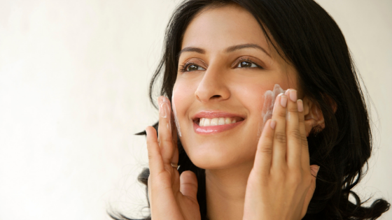 How to Combat Oily or Acneic Skin