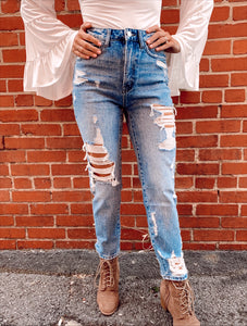Super High Rise Tattered Ankle Straight Jean