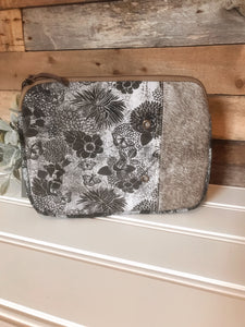 Myra iPad hairon bag