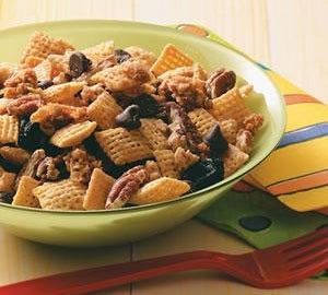 Maple Pecan Snack Mix