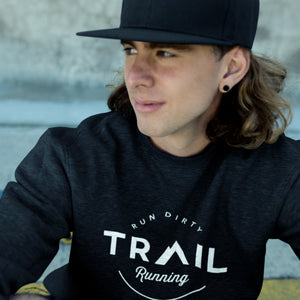 YOUNG GUY WEARING TRAIL RUNNING MEN'S SWEATSHIRT