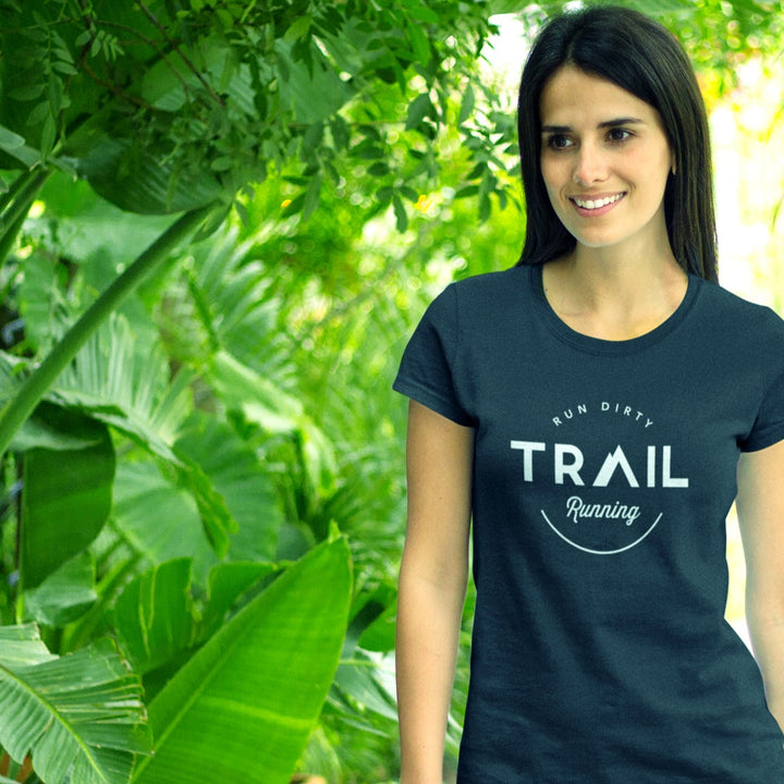 GIRL ON TRAIL WEARING TRAIL RUNNING T-SHIRT