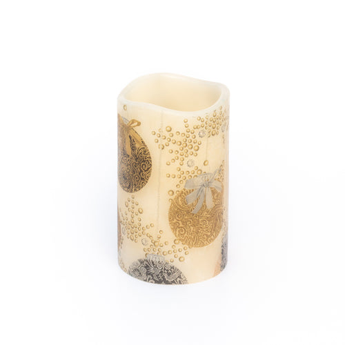 battery christmas candle with gold bauble design