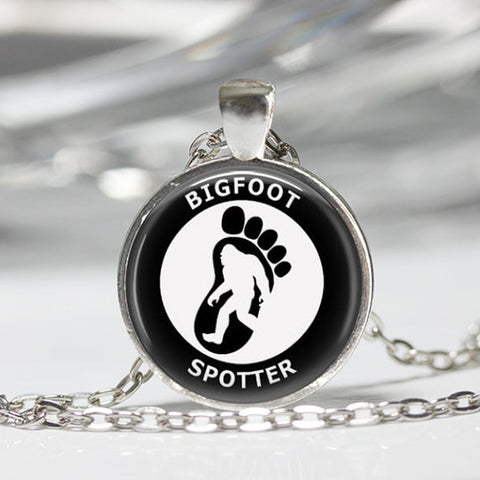 2016 New Design Sasquatch Bigfoot Necklace Silver Chain necklaces & pendants Bigfoot Spotter