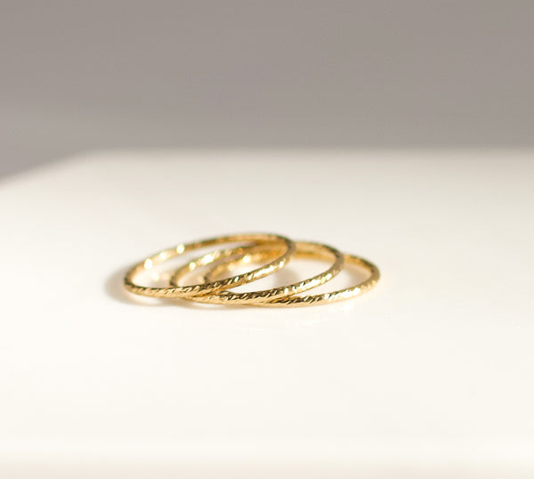 Thin Wire Stacking Ring
