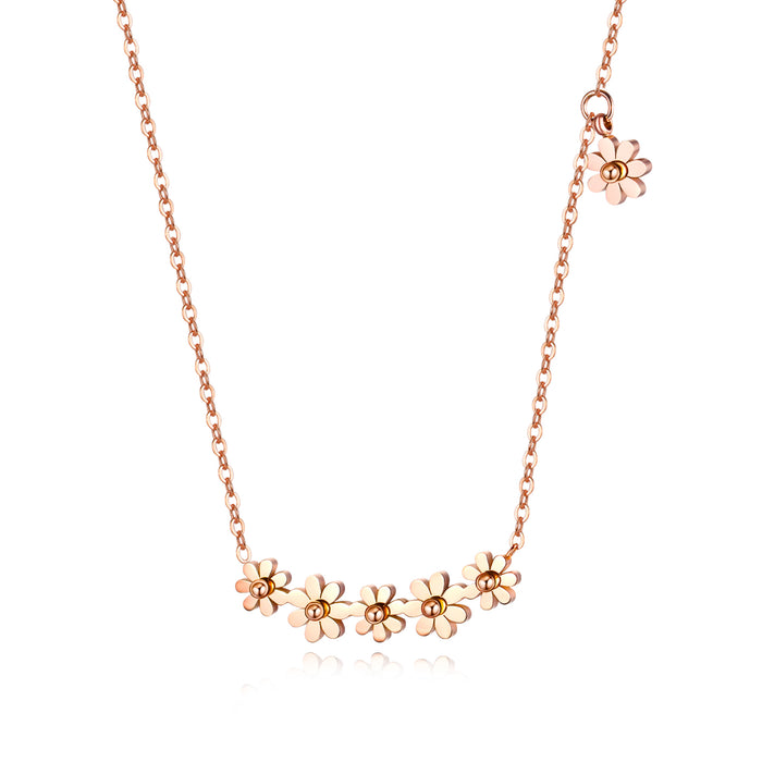 Japanese and Korean titanium steel plated rose gold small daisy necklace female clavicle chain