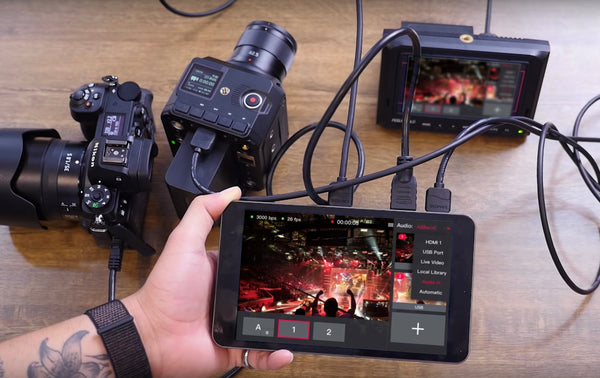 YoloLiv YoloBox Yololivbox Portable Live Stream Studio Broadcast Box with battery Wifi 4G Encoder 1080P HD video recording four in one 4-in-1 streaming gear on Facebook Youtube Twitch Capture card Switcher Studio DSLR Controller without OBS 直播 實況 直播專用 臉書直播 fb直播 直播設備 直播器 擷取盒
