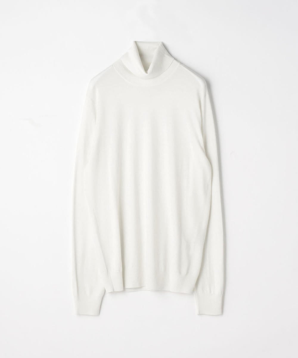 Super fine merino wool turtleneck knit