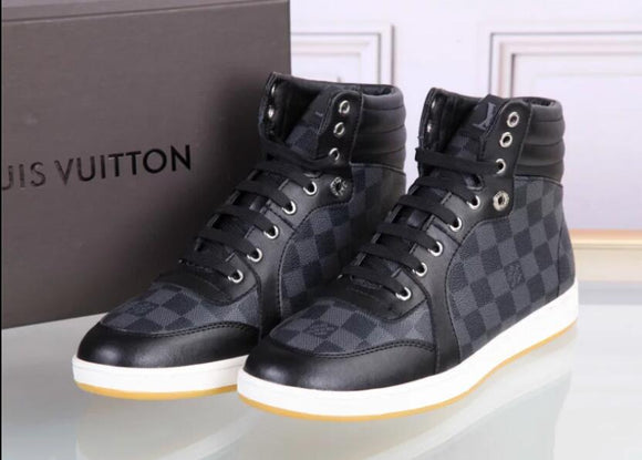 LV sneakers made from Genuine leather, cotton and sole from top quality rubber.