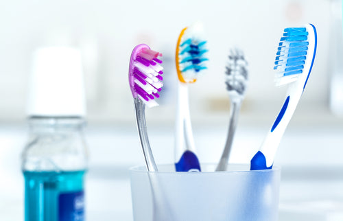 Sharing the toothbrush - Free invitation to all bacteria